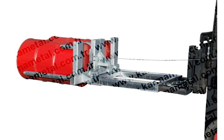 Forklift kollu varil taşıma ve çevirme aparatı
