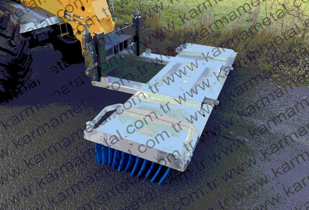 forklift-traktor-telehandler-transpalet-catali-supurge-atasmani-endustriyel-hidrolik-motorlu-doner-fabrika-yol-ahir-bahce-talas-hurda-cakil-tas-kaya-kum-cop-toz-supurme-temizleme-temizlik-fircasi